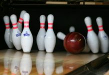 Ten pin bowling alley