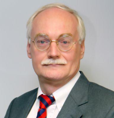 Professor Dr Maurits van Rooijen
